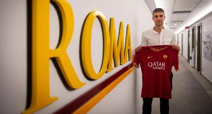 La Roma annuncia Mancini