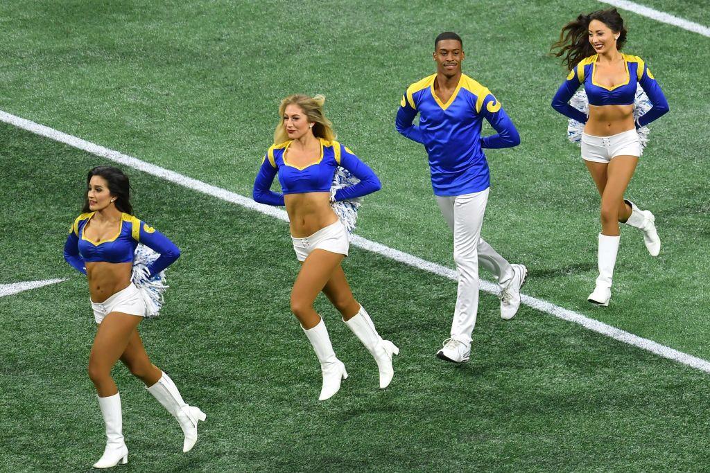 fare cheerleaders NFL collegare con i giocatori come si fa a trovare qualcuno su siti di incontri