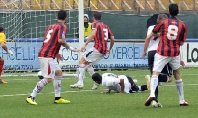 Espinal in gol con la Pro Vercelli (sito ufficiale Pro Vercelli)