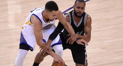Nba: i Warriors triturano gli Spurs