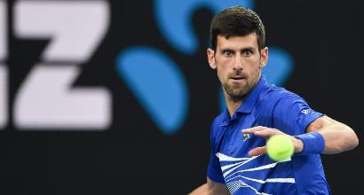Tennis, Australian Open: Djokovic in semifinale, Nishikori costretto al ritiro