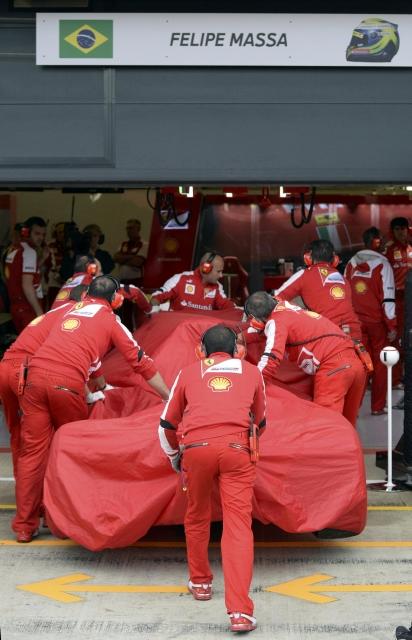 F1, Massa sbatte anche a Silverstone