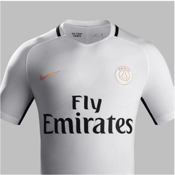 PSG, la terza maglia è illuminante