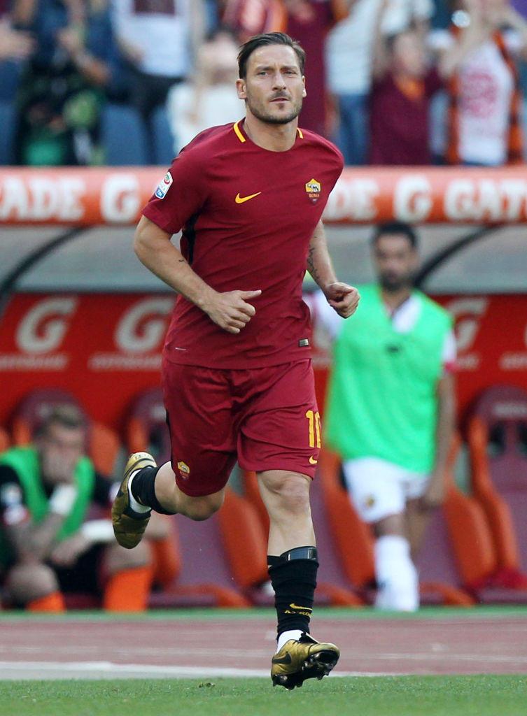 15) Totti (Roma): 40 anni, 8 mesi e un giorno