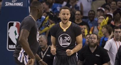 "Nba, LeBron James incorona Curry: ""Mai visto uno come lui"""