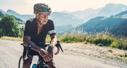 Ciclismo, positivo al doping a 90 anni: Carl Grove perde il record del mondo