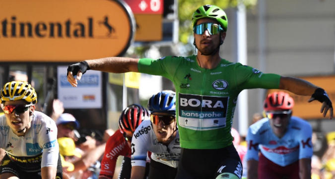 Tour de France: Sagan si prende la quinta tappa in volata, Trentin è terzo