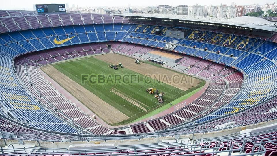 Nuovo prato per il Camp Nou