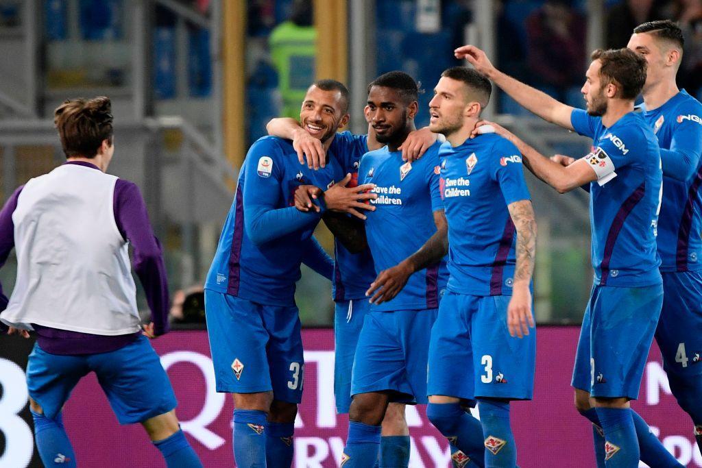Grande spettacolo nella Capitale, ma il pareggio non serve a nessuno. Nella 30esima giornata di Serie A Roma e Fiorentina danno vita a una gara divert...