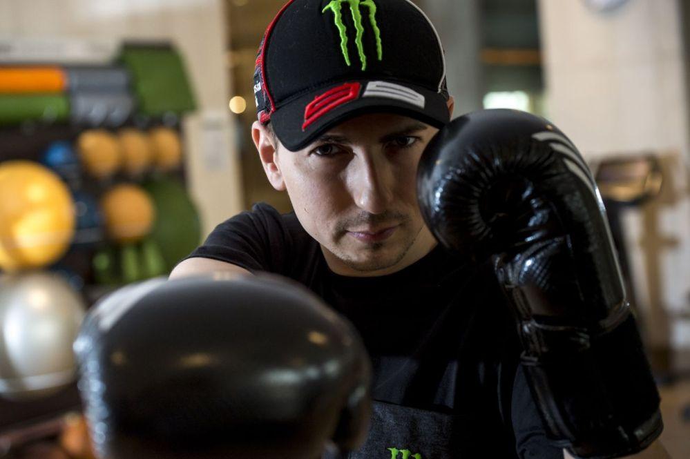 MotoGP, Lorenzo sale sul ring