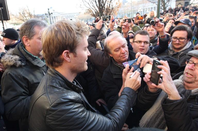 F1, Wiesbaden in festa per Rosberg