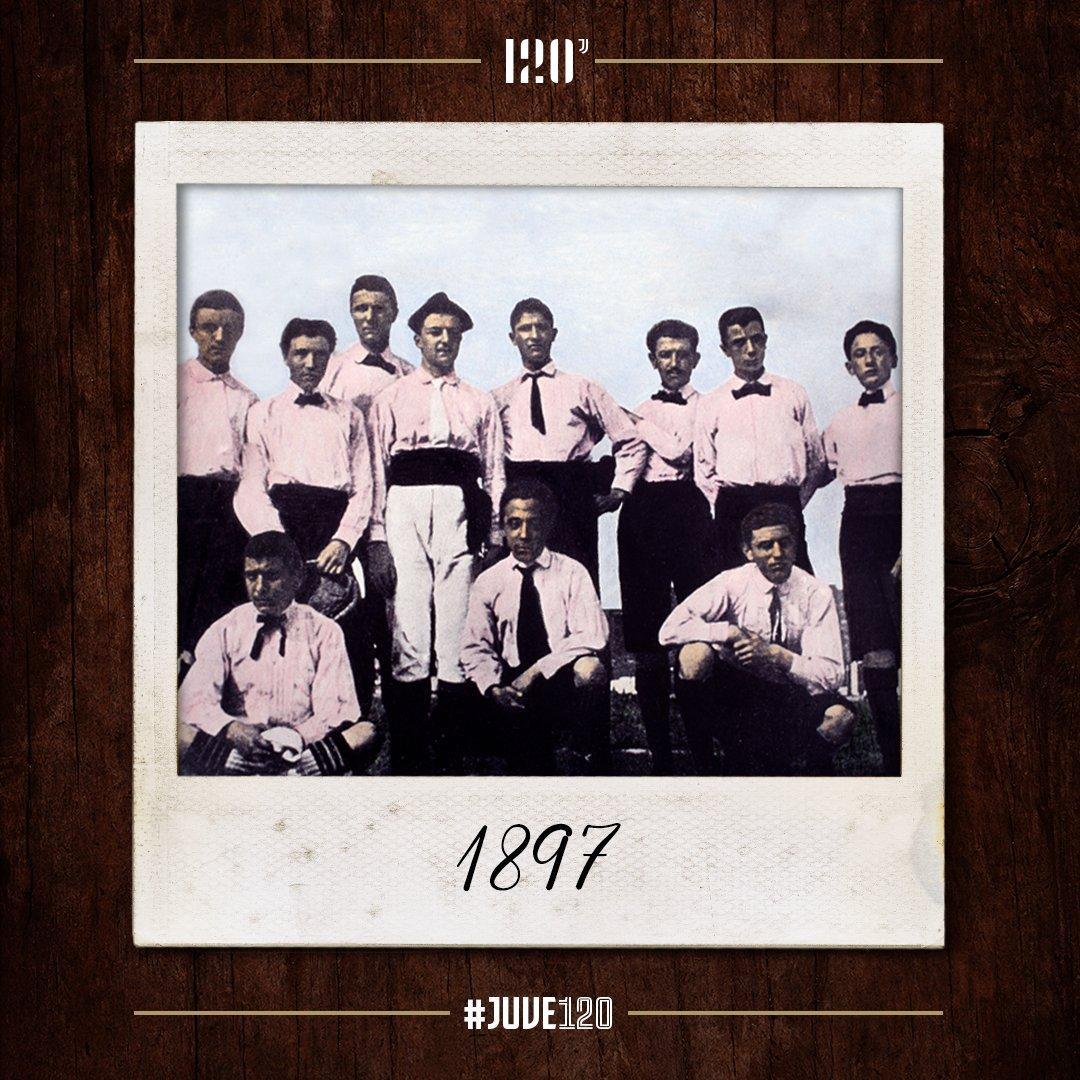 La Juve ha festeggiato i suoi 120 anni, pubblicando una serie di immagini che raccontano la sua storia.