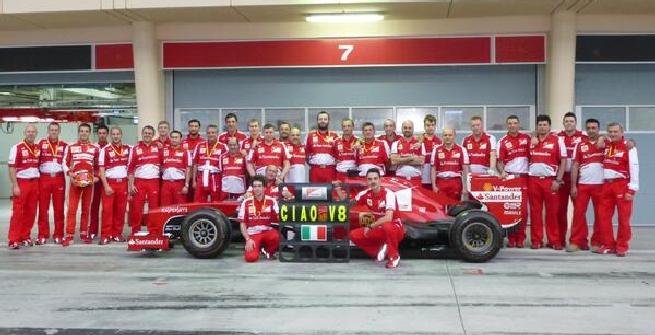 L'addio della Ferrari al V8 (Twitter)