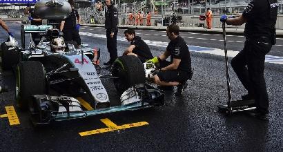 """Hamilton: """"Manca aderenza, peggio che a Monza"""""""
