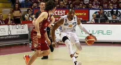 Basket, Serie A Playoff: il sogno di Trento continua, Venezia ko in gara 1