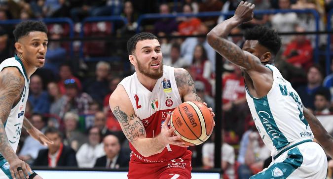 Basket, Serie A: rimonta show dell'Olimpia, Cantù battuto 98-91