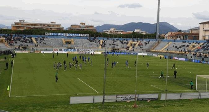 """Serie C, sciopero della curva del Pisa: """"Abbiamo visto la Juve vera, è una farsa"""""""