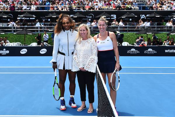 Tennis, Serena Williams torna in campo e vince