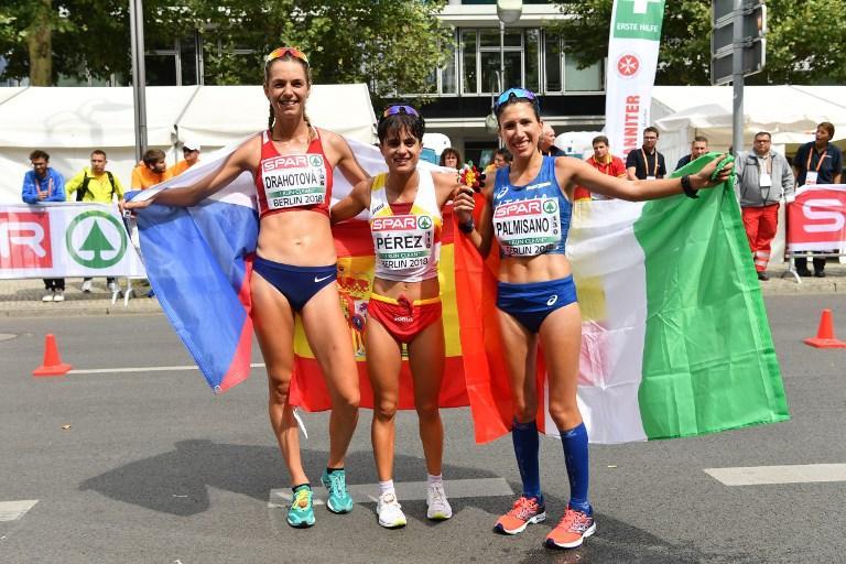 """È la marcia a regalare la terza medaglia, ancora una volta di bronzo, per l'Italia agli Europei di atletica leggera di Berlino. La conquista nella 20 km di marcia Antonella Palmisano, che aggiunge il podio continentale al bronzo iridato di un anno fa. La marciatrice pugliese chiude in 1'27""""30 e si arrende solo alla spagnola Maria Perez (1h26'36"""") e alla ceca Drahotova (1'27""""03). Quarto, tra gli uomini, l'altro pugliese Massimo Stano."""