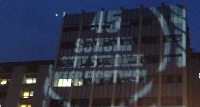 Il messaggio luminoso per Schumi
