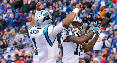 Nfl: Panthers imbattuti, Giants al tappeto