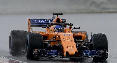 F1, neve e pioggia a Barcellona: Alonso il temerario