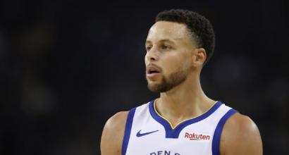 Nba, altro record per Curry: settima partita di fila con almeno 5 triple segnate