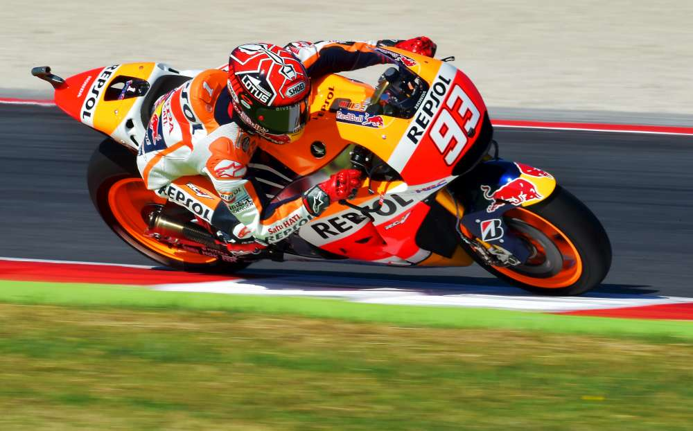 MotoGP, Lorenzo in pole a Misano. Rossi 3°