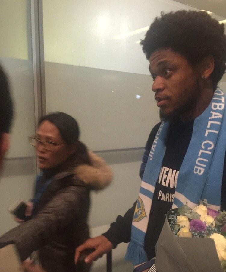 Luiz Adriano sbarca in Cina