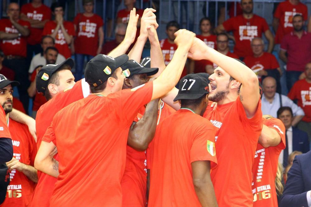 Basket, Milano campione d'Italia: le foto della festa
