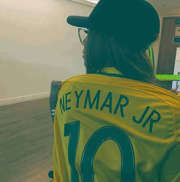 Il Psg ha comunicato i tempi di recupero di Neymar dopo l'ennesimo infortunio al piede: fuori 10 settimane. Dovendo saltare le due sfide con il Manche...