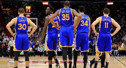 Basket, Nba: tonfo Warriors, Belinelli non basta a Charlotte