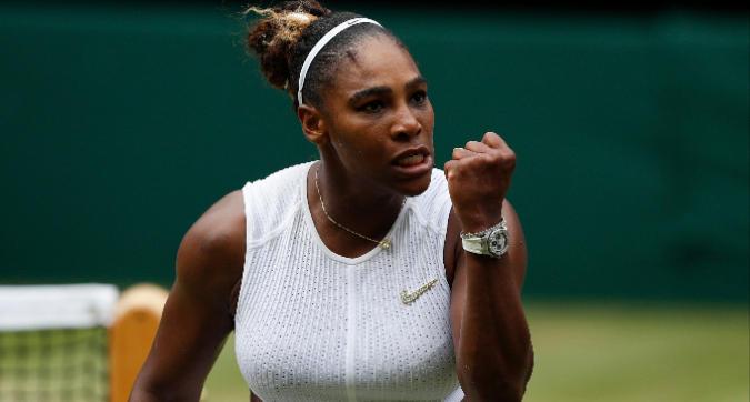 Tennis, Wimbledon: Serena Williams in semifinale dopo la battaglia. Sorpresa Strycova, Halep senza problemi