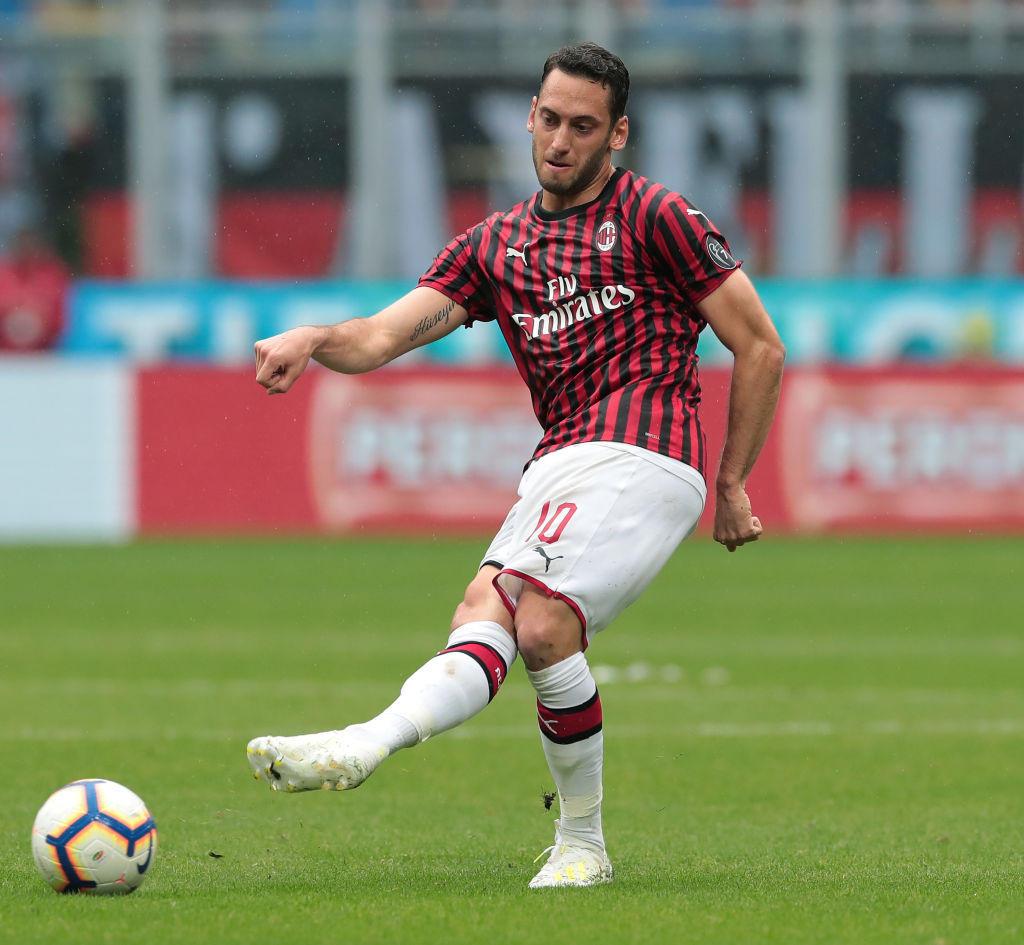 CALHANOGLU: due gol importanti, a Bergamo e a Firenze, ma una stagione in chiaroscuro, con molte insufficienze, specie nelle gare con le big. Probabile un suo ritorno in Germania.