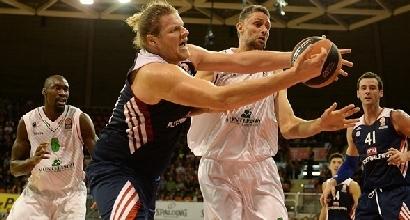 Ress Bryant in lotta, foto euroleague.net