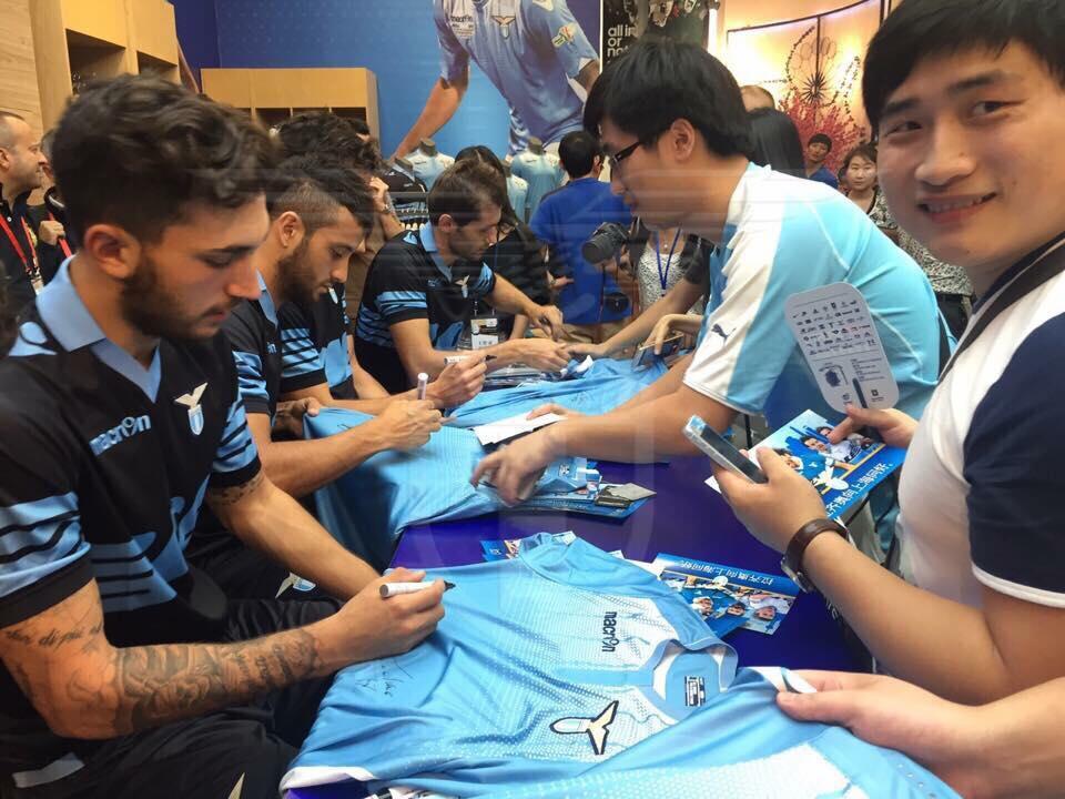 Lazio, ecco le magliette away