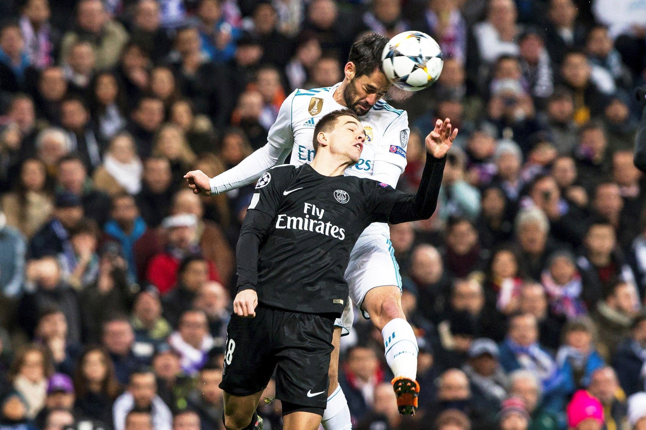 Gol, emozioni e spettacolo al Bernabeu come da copione. Il Real Madrid vince 3-1 in rimonta contro il Psg e ipoteca il passaggio ai quarti di finale di Champions League. I parigini sbloccano il match al 33' con Rabiot, ma nel finale di tempo Ronaldo pareggia su rigore (dubbio). Nella ripresa i francesi spaventano a più riprese gli spagnoli, ma nel finale crollano sotto i colpi di CR7 (83') e Marcelo (86'). Il 6 marzo il ritorno a Parigi.