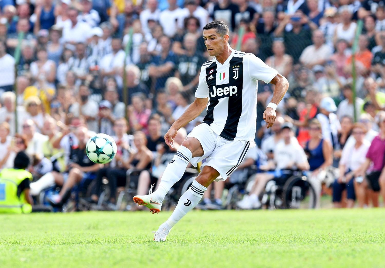 12 agosto - Villar Perosa: Juve A-Juve B. Prima gara in bianconero e primo gol, dopo 7'16