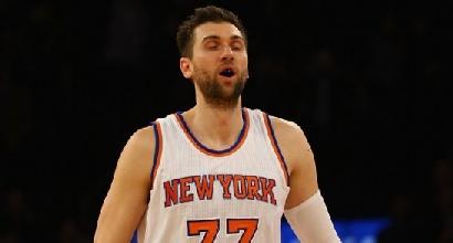 Nba: Bargnani non basta ai Knicks, Warriors implacabili