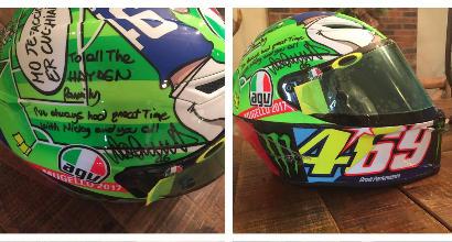 MotoGP, Valentino Rossi dona il casco utilizzato al Mugello alla famiglia di Hayden