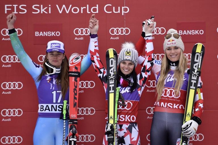 """Anna Fenninger è la regina di Bansko. Dopo aver trionfato ieri nella Supercombinata, l'austriaca si è confermata vincendo la prova di Super Gigante valida per la Coppa del Mondo di sci. La 25enne di Salisburgo ha chiuso al comando col tempo di 1'14""""59 precedendo la slovena Tina Maze di 16 centesimi e la statunitense Lindsey Vonn di 28. La prima delle azzurre è Elena Curtoni, quinta e staccata di +0""""56 dalla Fenninger."""