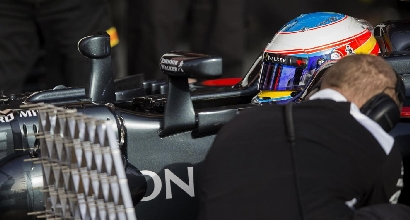 McLaren non competitiva, Alonso pensa al ritiro immediato