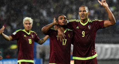 Messi out, brividi Argentina. In Venezuela è 2-2 sofferto. Cavani-Suarez: Uruguay ok