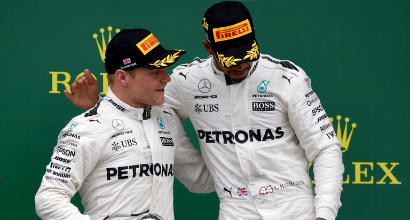 Hamilton-Bottas, AFP