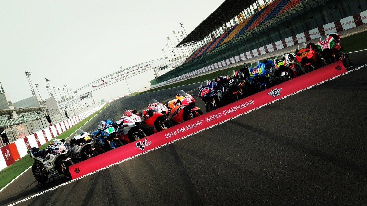 Anche quest'anno Losail ospita la prima gara della stagione e la MotoGP si è messa in posa per le foto di rito.