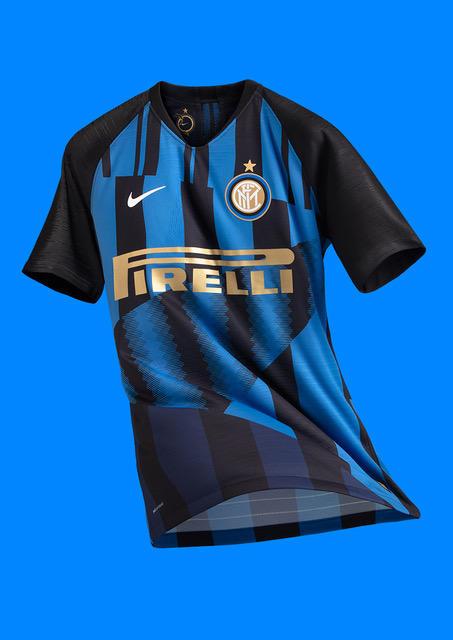 L'Inter presenta la Nike 20th Anniversary: maglia speciale per il derby