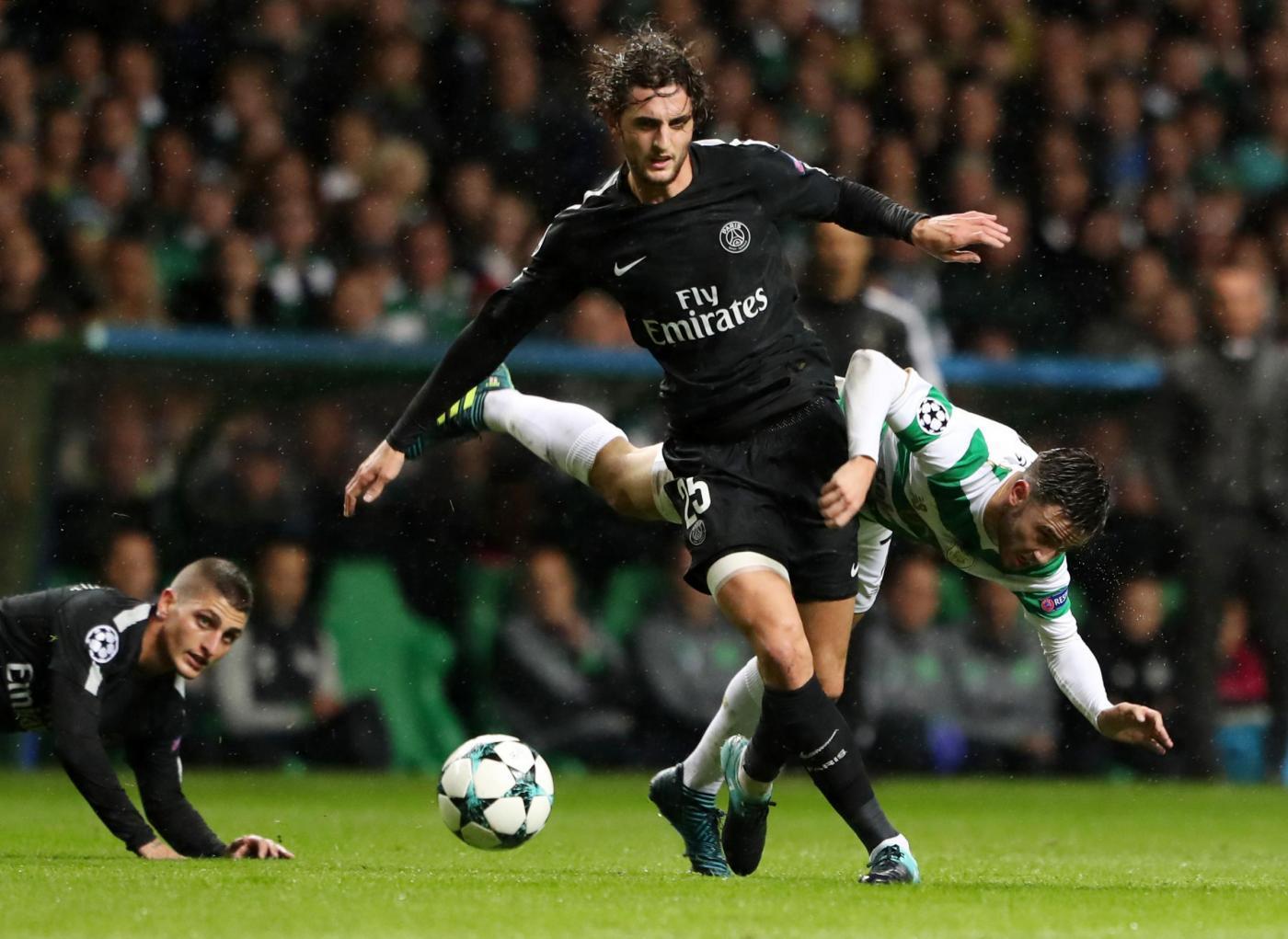 ADRIEN RABIOT (24 anni, centrocampista, Paris Saint Germain): Divorzio ad alto contenuto conflittuale con il club di appartenenza, gestito dalla mamma Veronique che in gennaio sembrava avere fatto tutto con il Barcellona ma che adesso ha riaperto il dialogo con il Real Madrid e un po' anche con la Juventus.