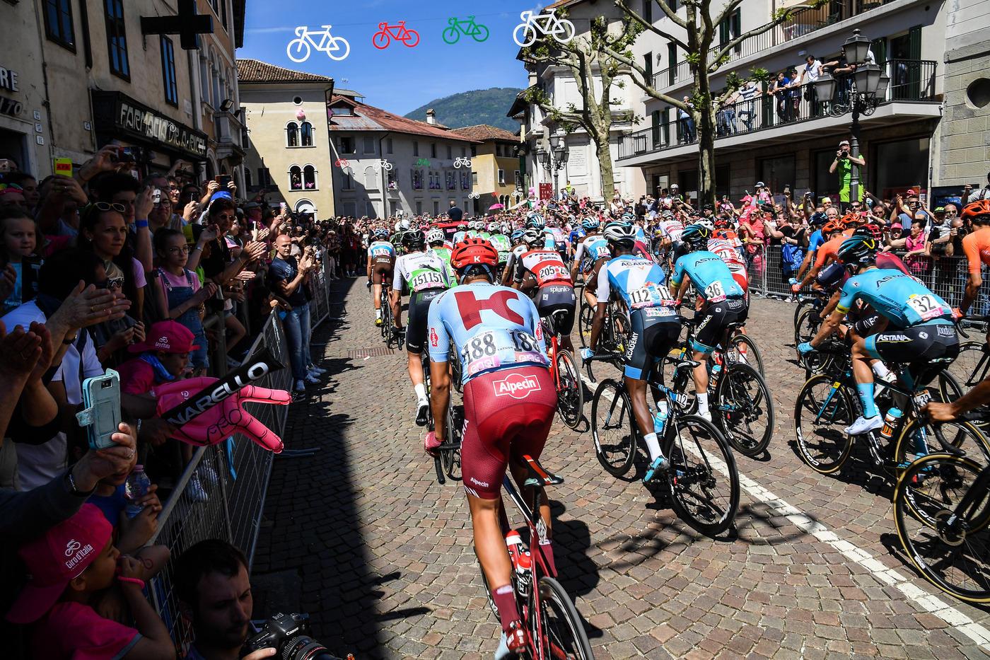 Sulle Dolomiti vince Bilbao, resiste in rosa l'ecuadoregno