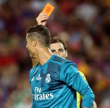 Real Madrid, spinta all'arbitro: 5 giornate di squalifica per Cristiano Ronaldo