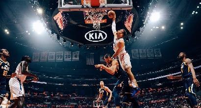 NBA: Clippers imbattuti, Gallinari fa 14 punti. James playmaker è straordinario